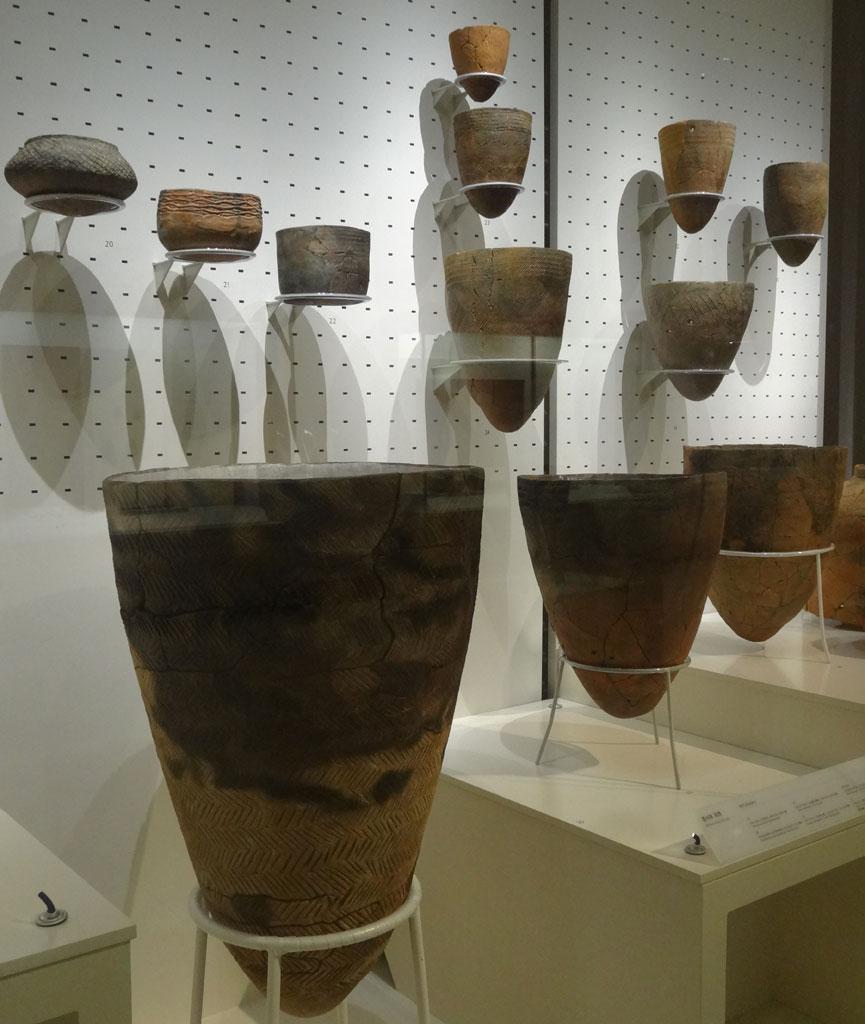 Vases en terre cuite datant du néolithique (Musée national de Corée) @Myu-Ri