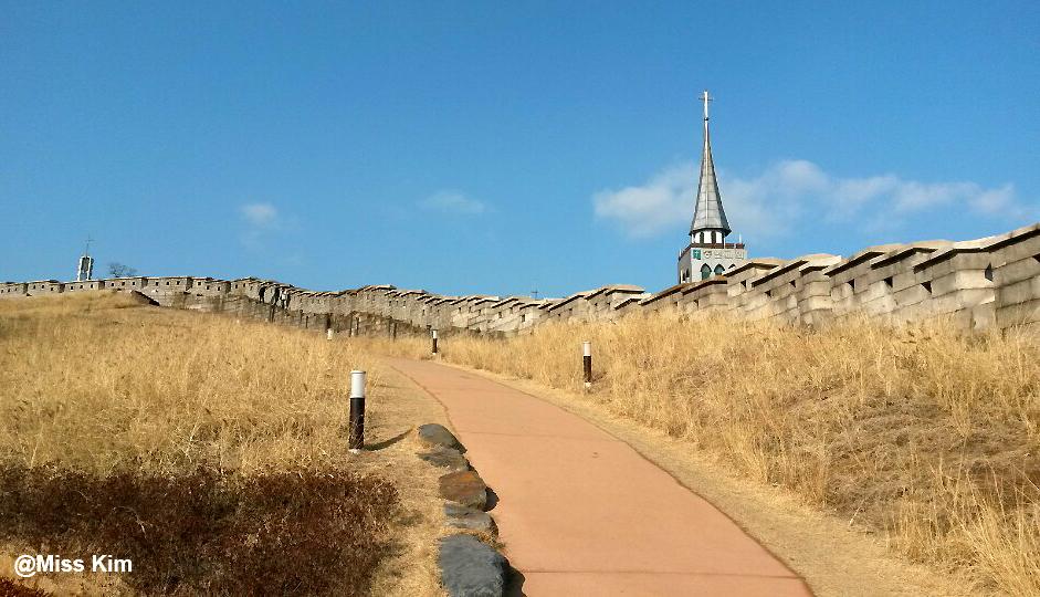 remparts de Naksan depuis Dongdaemun