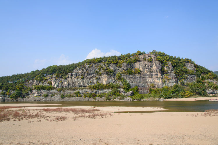 buyongdae-river-Andong-hahoe-village