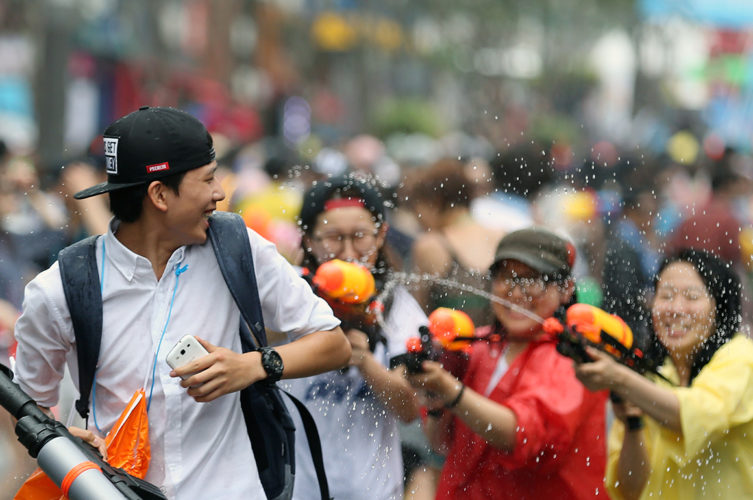 sinchon watergun festival seoul