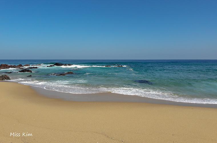 Gangneung Jeongdongjin beach