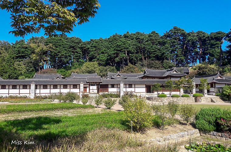 La résidence aristrocratique de Seongyojang à Gangneung
