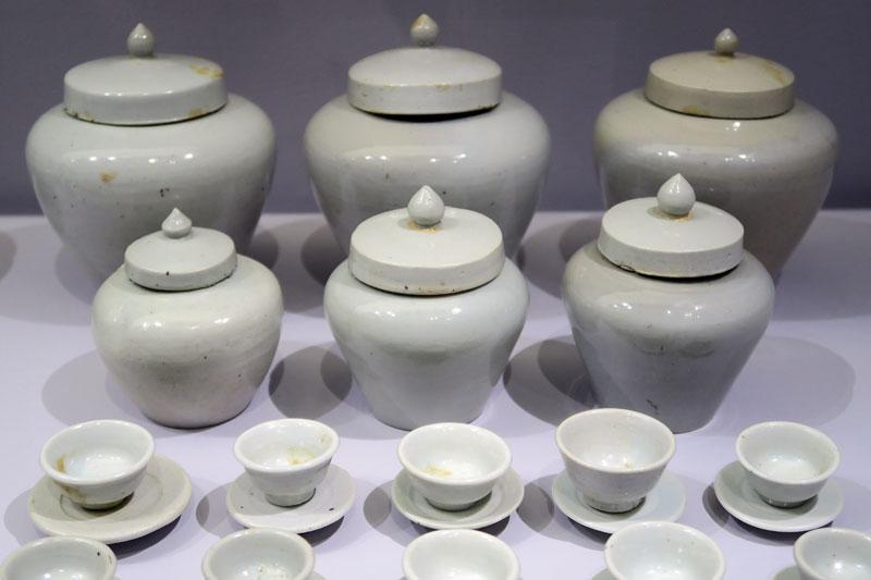Ensemble d'objets funéraires en porcelaine blanche, XVIe siècle (Musée national de Corée) @Myu-Ri