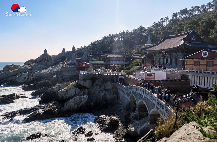 Temple Haedong Yonggungsa en bord de mer, à Busan