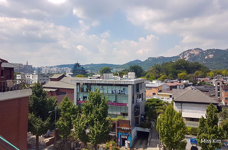 Mont Inwangsan et Musée folklorique national de Corée