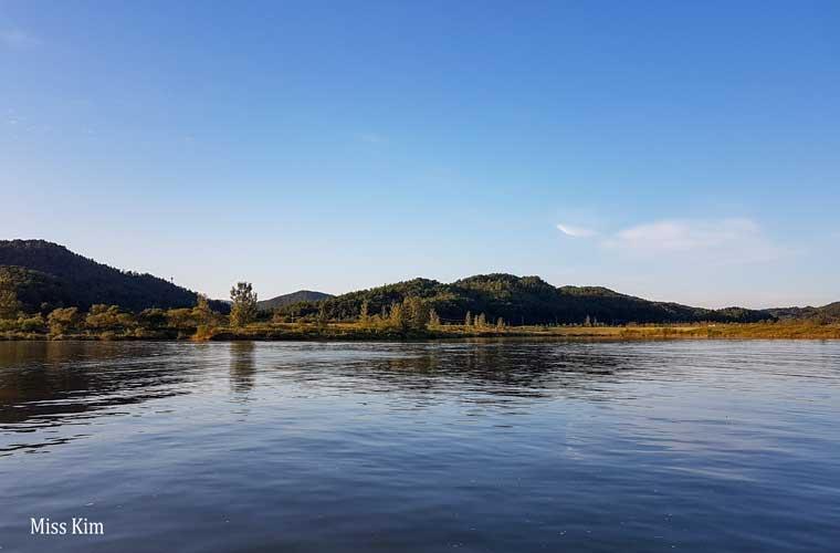 La rivière Geumgan à Buyeo en Corée du Sud