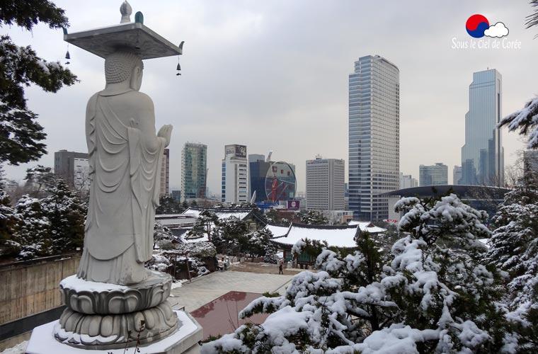 Le temple Bongeunsa en hiver