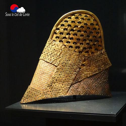 Un casque dorée datant du moyen-âge coréen