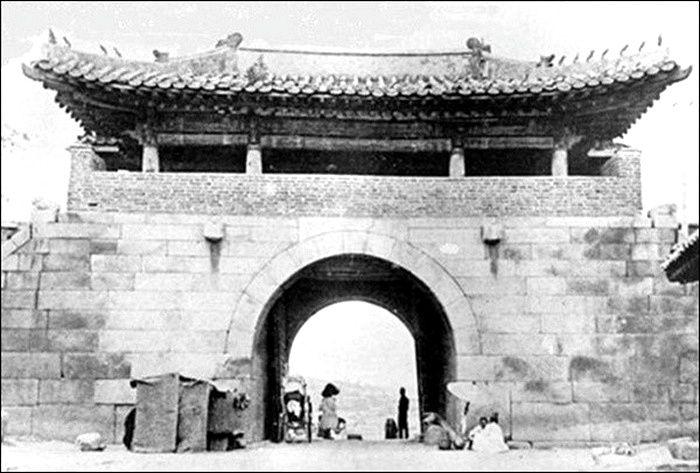 L'ancienne porte Seouimun à Séoul