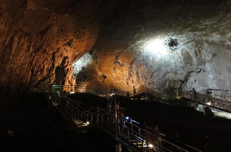 La grotte Hwanseon en Corée du Sud