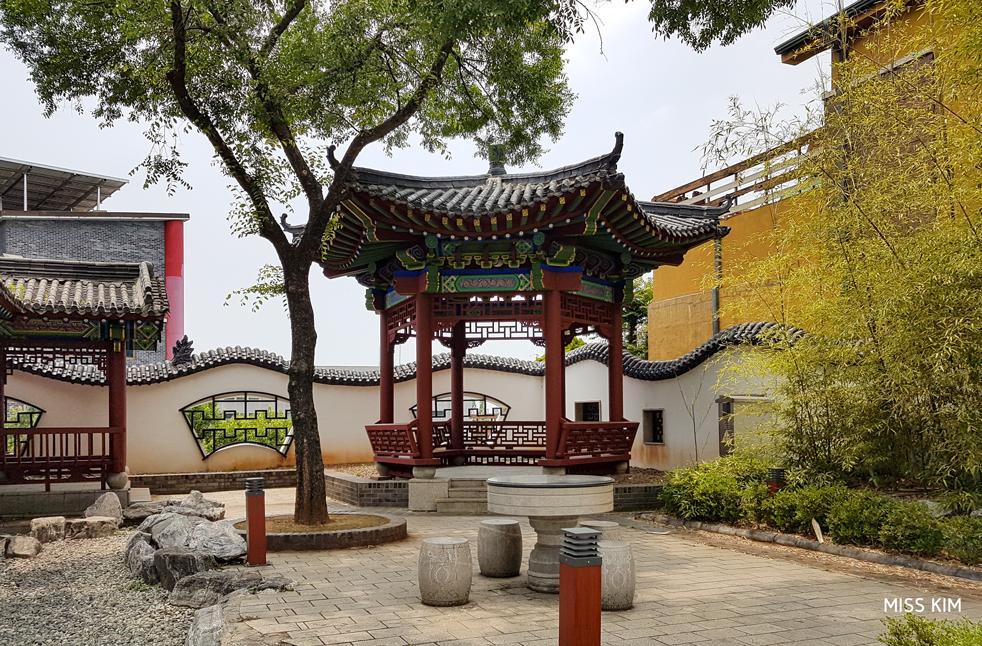 Pavillon chinois dans le quartier d'Incheon, en Corée du Sud