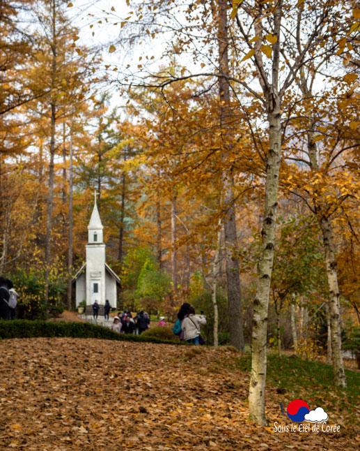 La chapelle du jardin du Clair de lune au Jardin du matin calme en Corée du Sud