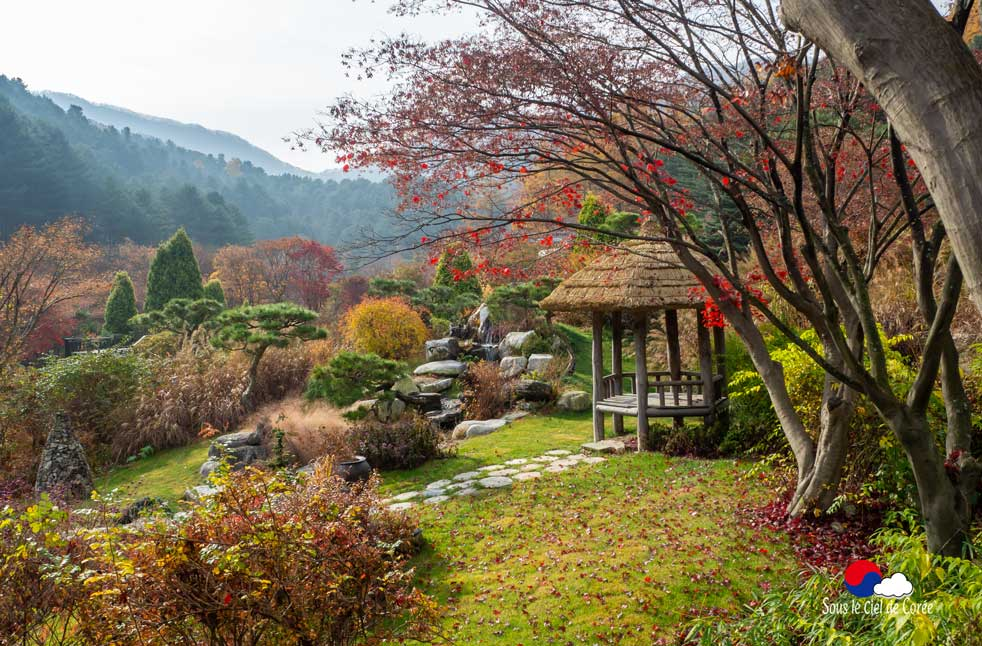 Pavillon de repos au Jardin du Matin calme en Corée du Sud